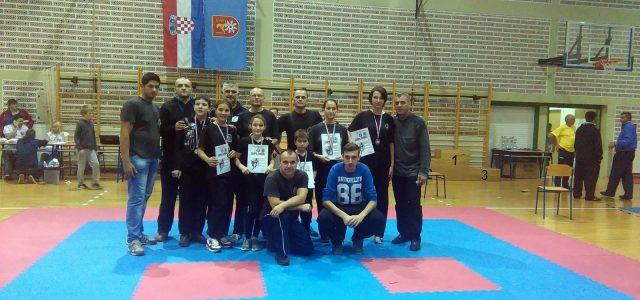 """Kickboxing turnir """"Slunj Open 2015"""" – Mlade """"kobre"""" vratile su se kući sa 6 osvojenih medalja"""