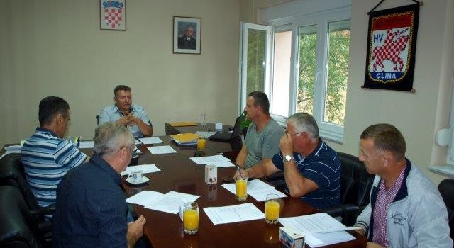 Potpisani ugovori o korištenju sredstava Grada Gline
