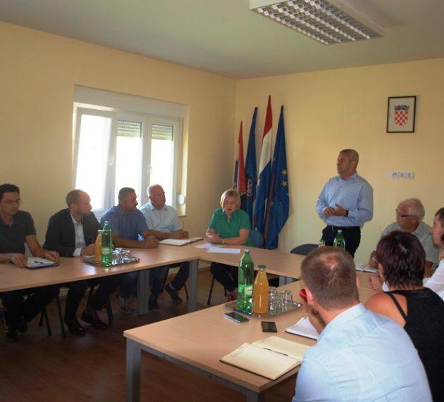 Sastanak OPG-ova sa zamjenikom ministra poljoprivrede Tugomirom Majdakom