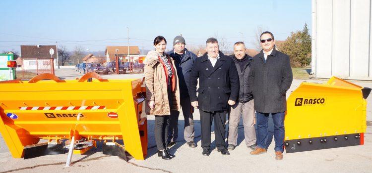 Novi strojevi za zimsku službu glinskog Komunalca