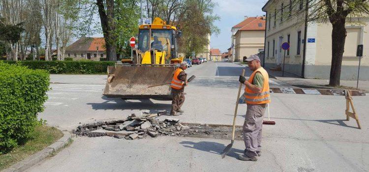 Ministarstvo graditeljstva Gradu Glini odobrilo 250.000 kn za održavanje nerazvrstanih cesta