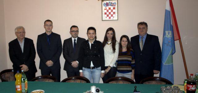 Grad Glina stipendira ukupno 29 studenata