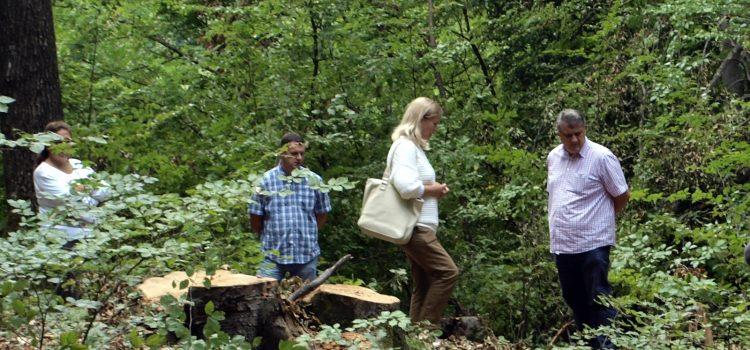 Uvođenje u posao izgradnje spomen obilježja iznad starog katoličkog groblja u šumi