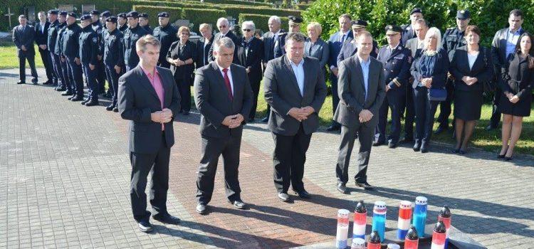 Gradonačelnik Stjepan Kostanjević na obilježavanju Dana policije
