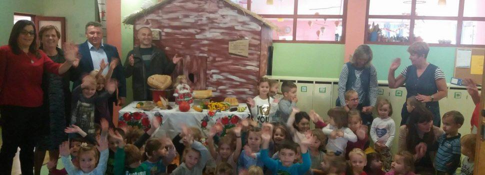 Posjet gradonačelnika Dječjem vrtiću Bubamara povodom obilježavanja Dana kruha