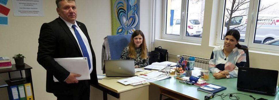 Gradonačelnik u posjeti Volonterskom centru Glina i Centru Glina za mlade