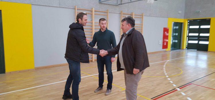 Grad Glina nabavio dodatnu opremu za školsko sportsku dvoranu Osnovne škole Glina