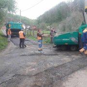 Započelo asfaltiranje cesta na području grada Gline