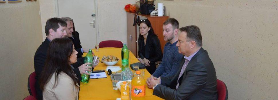 Radovi na sanaciji vanjskih športskih terena Srednje škole Glina