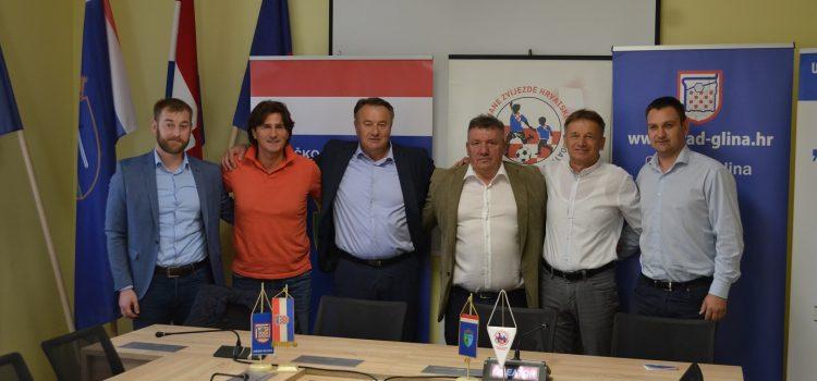 Najava humanitarne utakmice u Glini