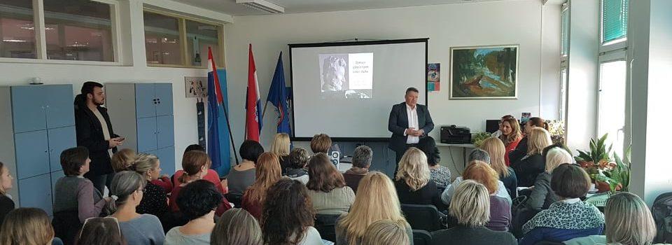 """Održan stručni skup u Osnovnoj školi Glina na temu""""Učenici s oštećenjem sluha"""""""