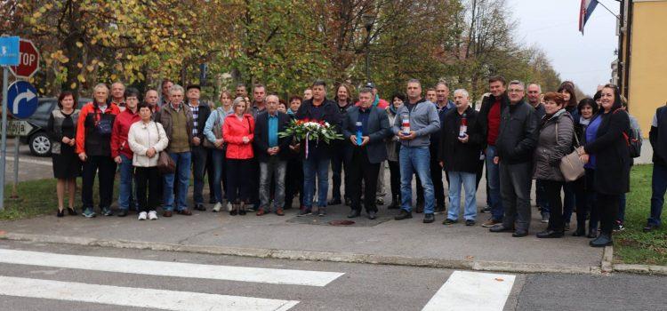 Posjet hrvatskih branitelja iz Malinske gradu Glini