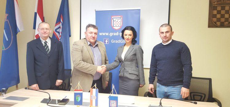 Gradonačelnik potpisao Ugovor o korištenju školske športske dvorane