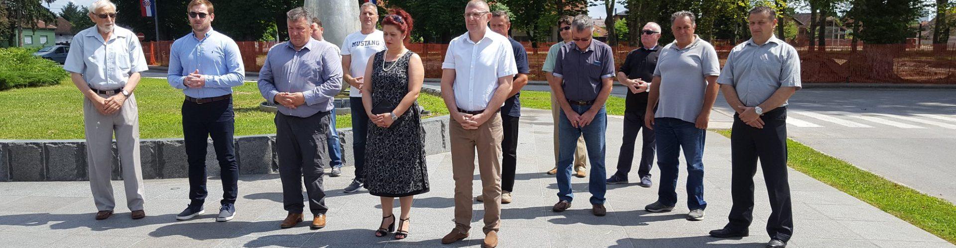 Odana počast hrvatskim braniteljima i civilima stradalim tijekom Domovinskog rata povodom Dana državnosti RH